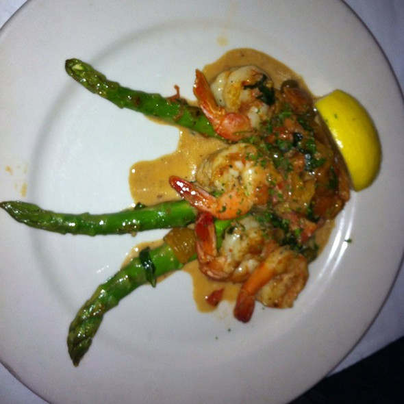 Shrimp And Asparagus - Francesca's on Chestnut, Chicago, IL