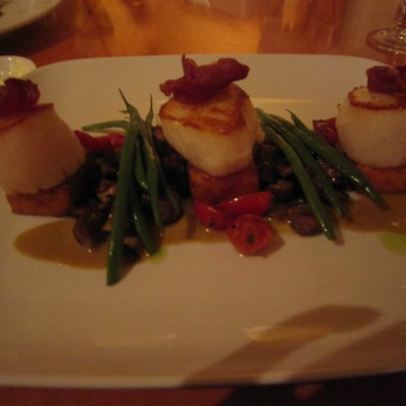 Diver Scallops - New Well Tavern, Richmond, BC
