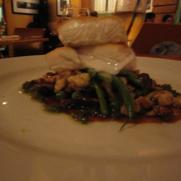 Queen Charlotte Halibut - New Well Tavern, Richmond, BC
