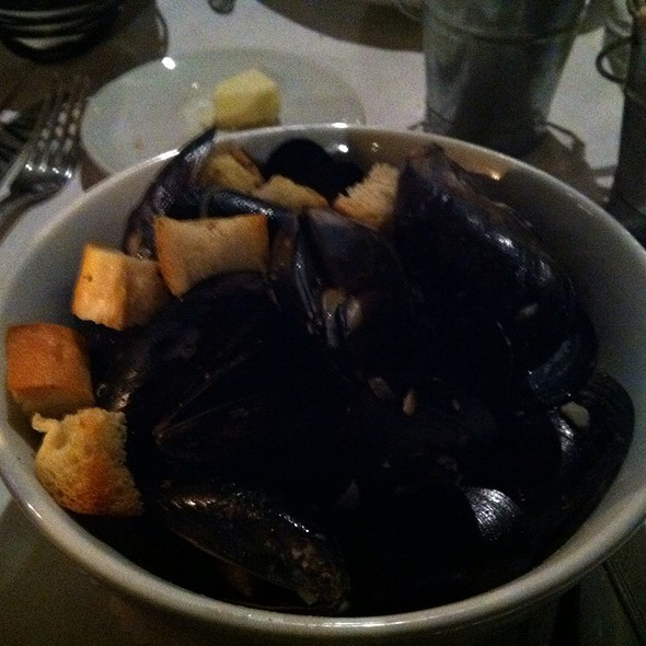 Moules Marenières - MEET in Paris, Culver City, CA