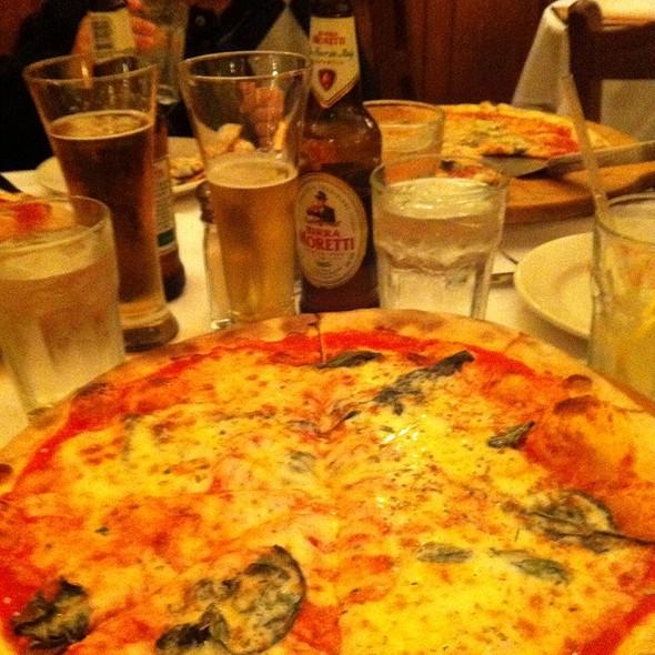 Pizza Margherita - Pane e Vino Trattoria, San Francisco, CA