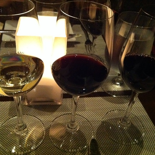 Wine Flight - Vertical Wine Bistro, Pasadena, CA