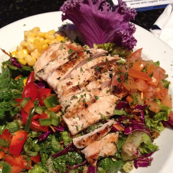 Salad With Grilled Chicken - Florentine's Grill, Fullerton, CA