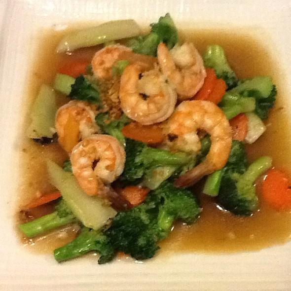 Broccoli Lovers - Little Thai Fine Dining, Camarillo, CA