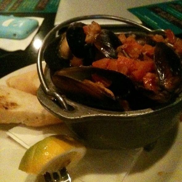 Happy Hour Steamed Mussels - Chart House Restaurant - Marina del Rey, Marina Del Rey, CA