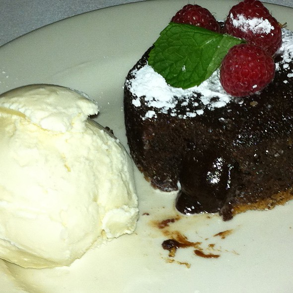 Morton's Legendary Hot Chocolate Cake - Morton's The Steakhouse - Troy, Troy, MI