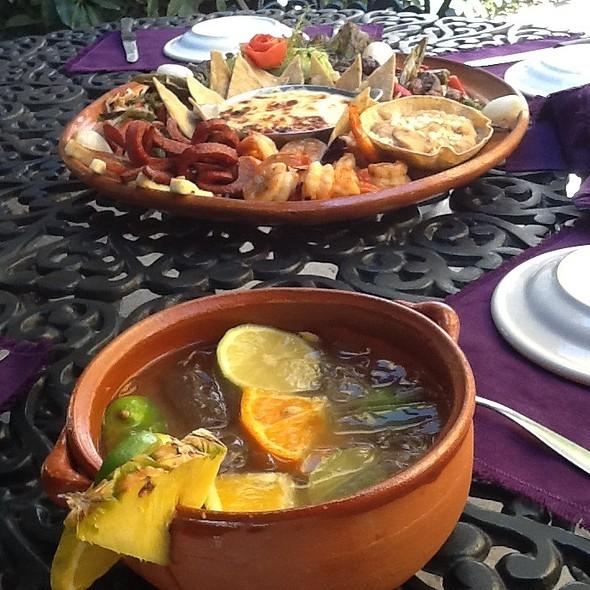 Cazuela De Tequila Y Sombrero Mar Y Tierra - El Patio, Tlaquepaque, JAL