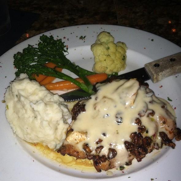 Brie & Pecan Chicken - Cedar Creek Inn - San Juan Capistrano, San Juan Capistrano, CA