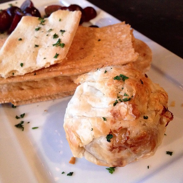 Mini Baked Brie (Close-Up) - Purple Cafe and Wine Bar - Woodinville, Woodinville, WA