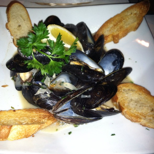 Mussels - Tannins Restaurant and Wine Bar, San Juan Capistrano, CA