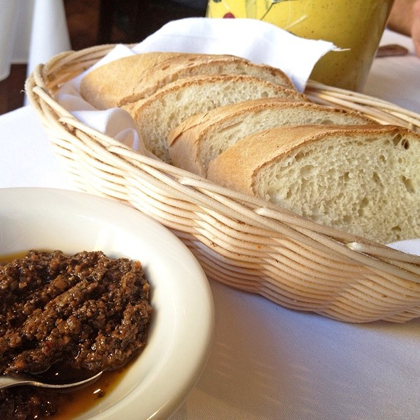 Complimentary Bread And Tapenade - Gourmet Italia, Temecula, CA