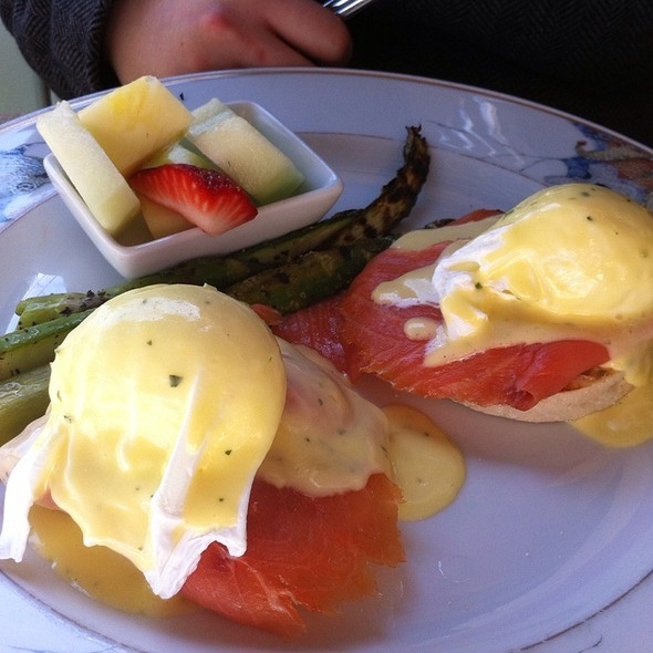 Smoked Salmon Eggs Benedict - Darlington House, Washington, DC