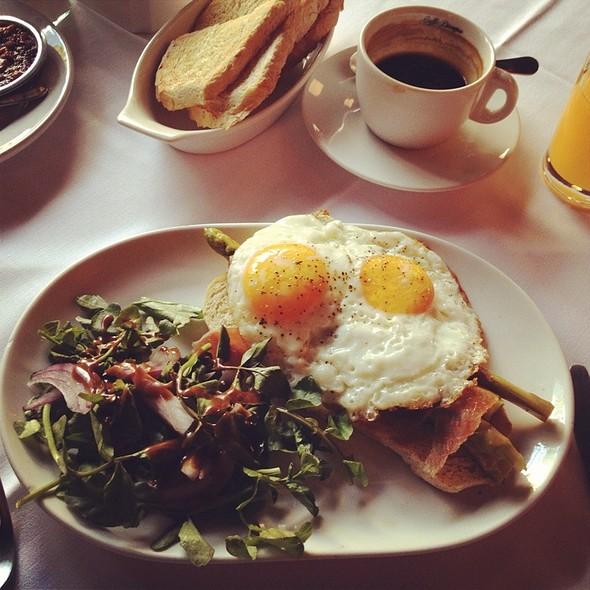 Huevos Valencianos - Casa Tios - Cocina de Barrio, Ciudad de México, CDMX