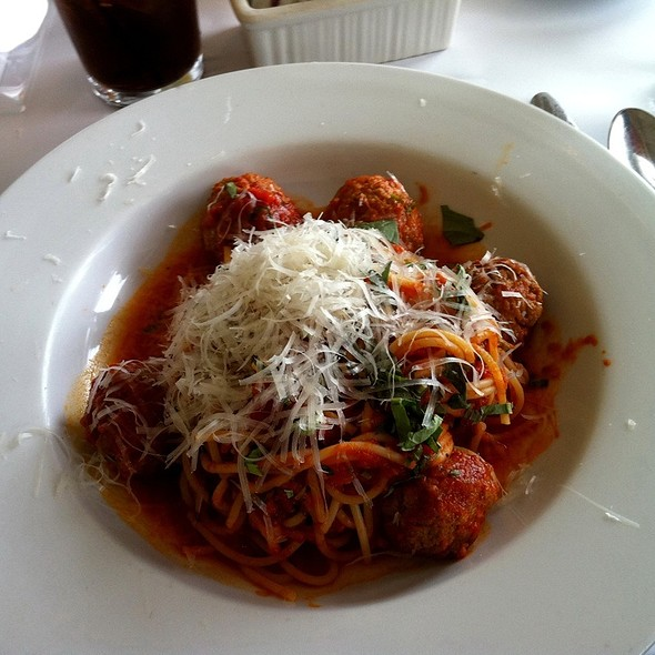 spaghetti al pomodoro - Salute E Vita Ristorante, Richmond, CA
