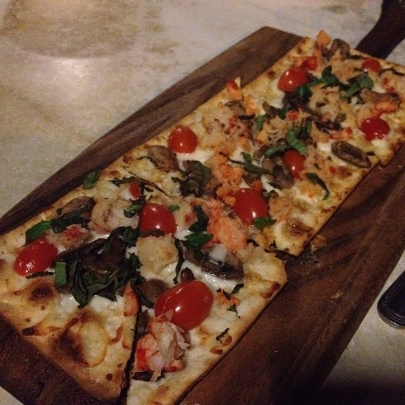 Maine Lobster & Roasted Garlic Mascarone Flat Bread - Amelia's Bistro - New Jersey, Jersey City, NJ