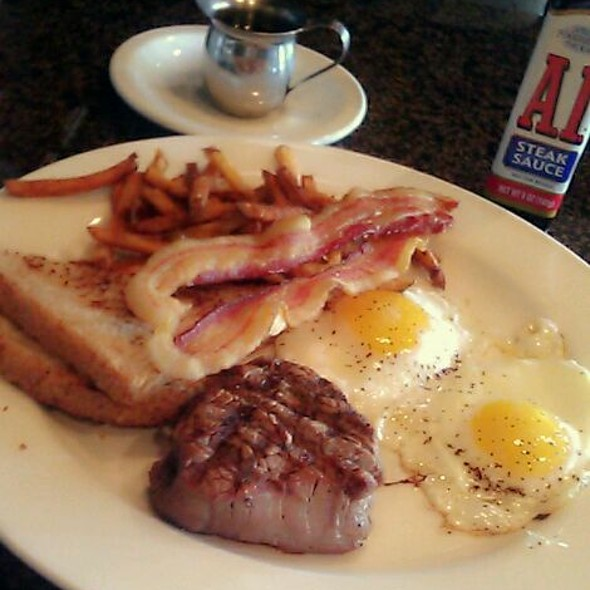 Bellini's @ the waterford brunch. Filet,2 slices of bacón, double sunny side eggs, fries 2 toast with $2 Mimosa. best brunch! :-)  Brunch from 10am to 230pm.  Bellini's  6305 waterford Blvd #100 Okc,ok 73118 - Bellinis, Oklahoma City, OK