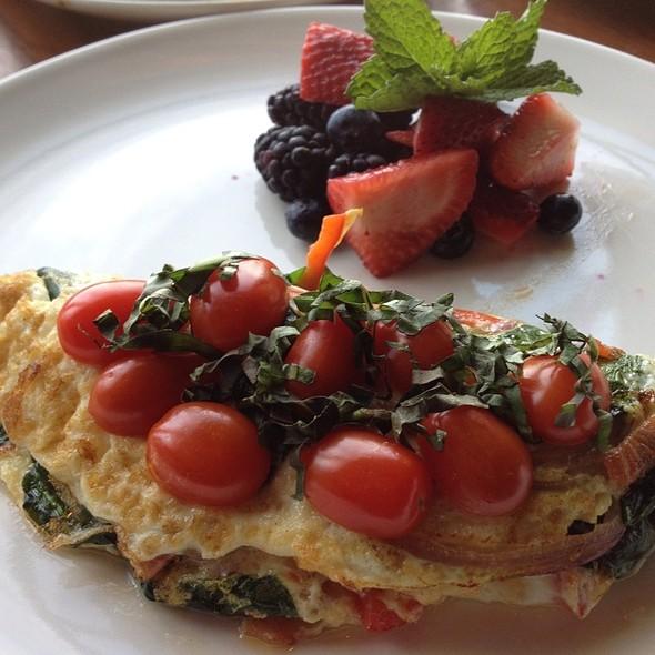 Veggie Omelette - Horatio's, San Leandro, CA