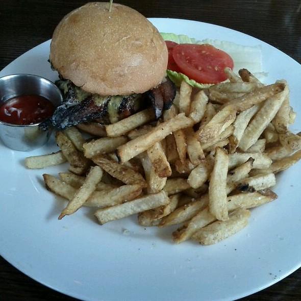 Churchill Burger - The Churchill, Los Angeles, CA