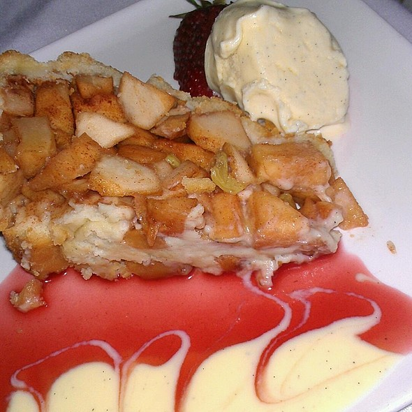 Dutch Apple Pie - Le Provencal Bistro, Mamaroneck, NY