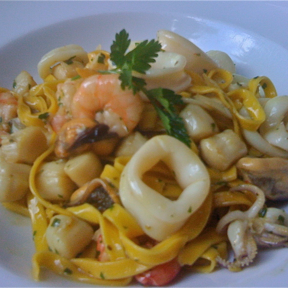 Spaghetti ai fruitti di mare - Tanino, Los Angeles, CA