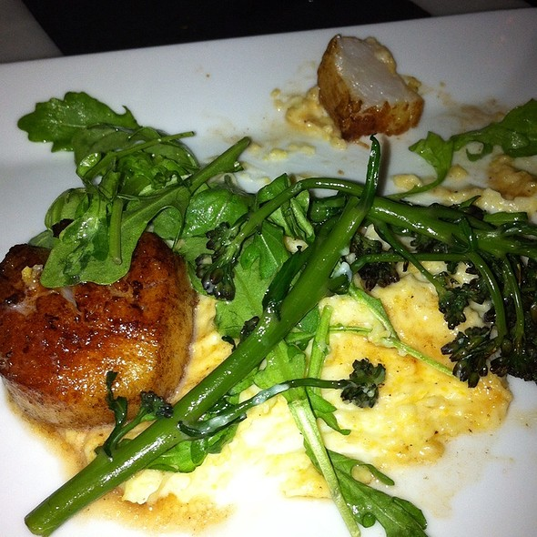 Fried Bay Scallops with Cheese Grits - Wood & Vine, Hollywood, CA