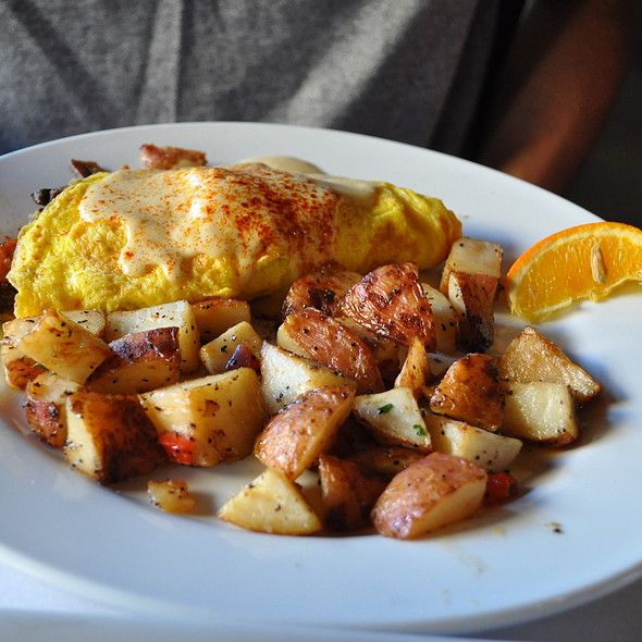 Chicken Apple Sausage Omelet - Triptych, San Francisco, CA