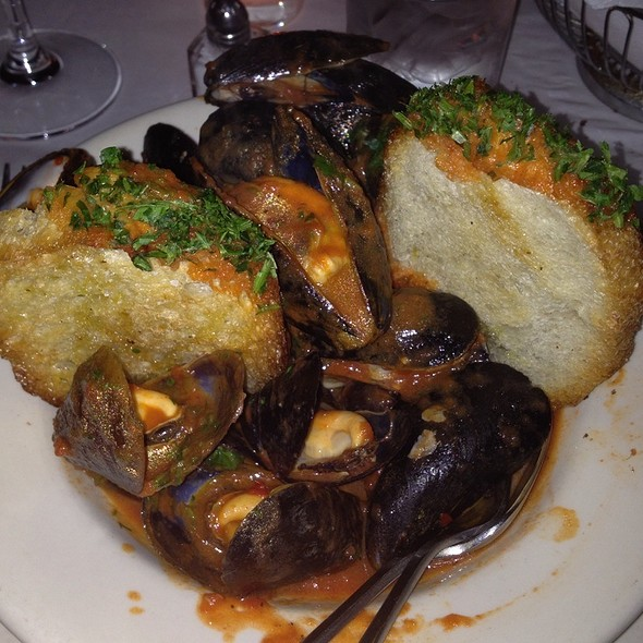 Mussels Steamed In Tomato And Fennel Broth - Lavagna, New York, NY