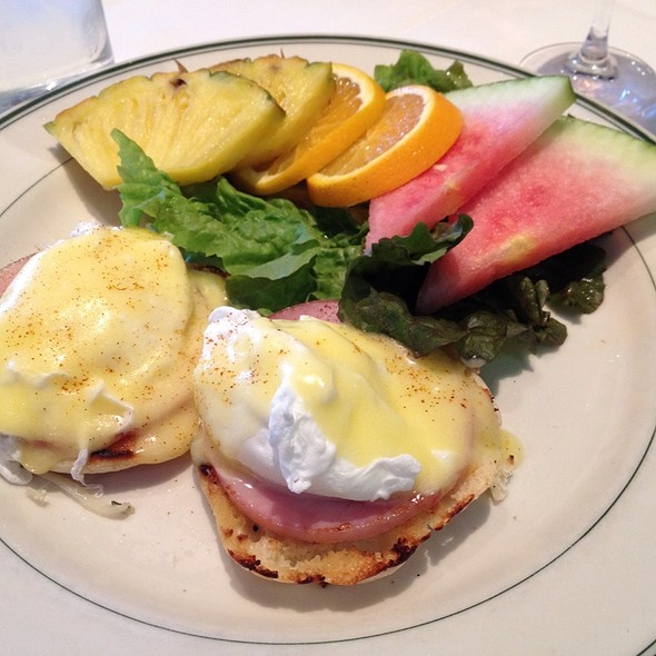 Eggs Benedict - The Grill on the Alley - Westlake Village, Westlake Village, CA