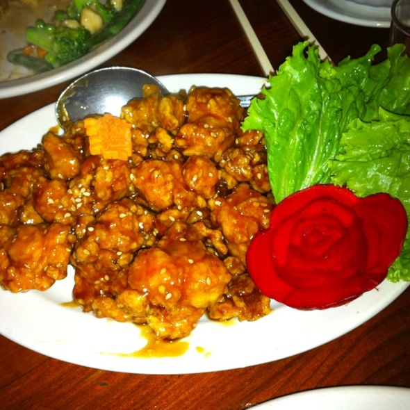 Sesame chicken - Kam's Wok Wine Dine, Houston, TX