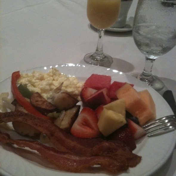 Breakfast - Coastal Restaurant & Bar – Hilton Charlotte Center City, Charlotte, NC