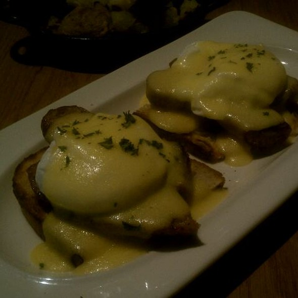 Hamtramck Eggs Benedict - Toasted Oak Grill & Market, Novi, MI