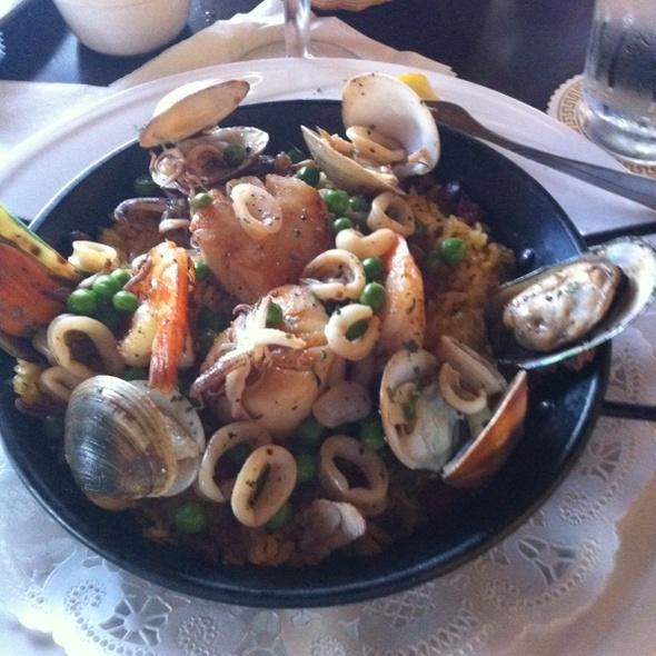 Seafood Paella - Luibueno's Mexican & Latin Cuisine, Haleiwa, HI