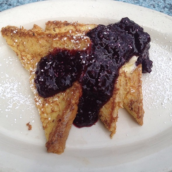 French Toast W/Berry Compote And Hazelnuts - Stone Cliff Inn, Carver, OR