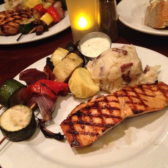 Grilled Atlantic Salmon - ROCK'N FISH L.A. LIVE, Los Angeles, CA