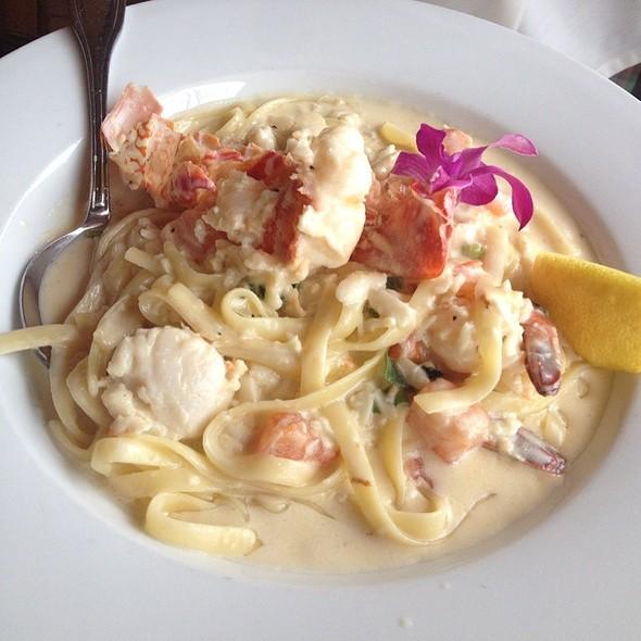 Lobster Seafood Pasta - Fish Hopper - Kailua-Kona, Kailua, HI
