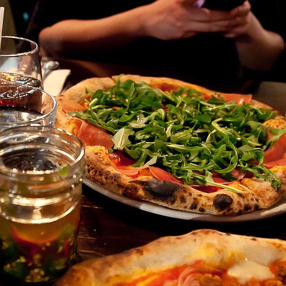 Giovanni Pizza - Queen Margherita Pizza - Leslieville, Toronto, ON
