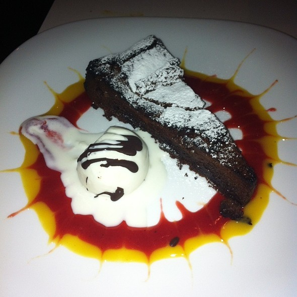 flourless chocolate cake - Tocco Pizza e Arte, Chicago, IL