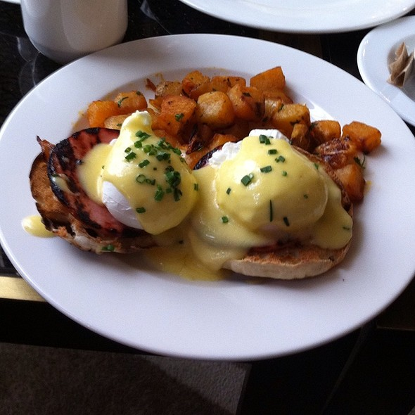 Eggs Benedict - Grand Bar & Lounge at Soho Grand Hotel, New York, NY