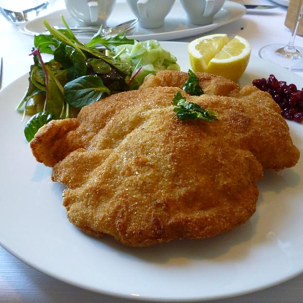Wiener Schnitzel - Lohninger Restaurant, Frankfurt am Main, HE