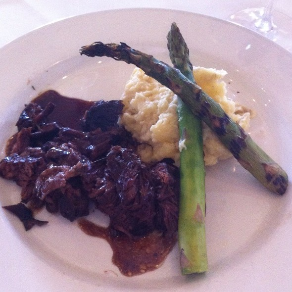Braised Short Ribs Over Garlic Mashed Potatoes - Chart House Restaurant - Melbourne, Melbourne, FL