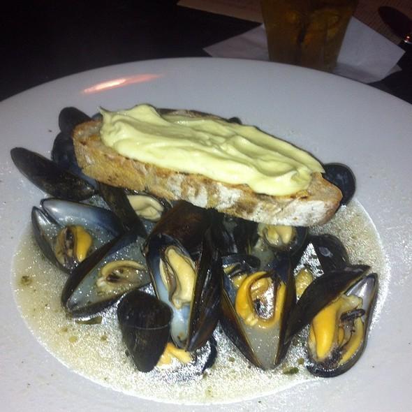 Steamed Mussels-Bar Harbor Mussels - J.Devoti Trattoria, St. Louis, MO