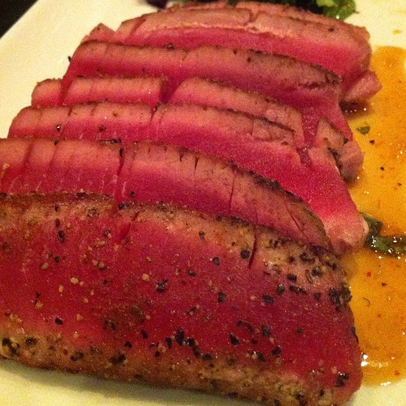 Ahi tuna - Legends Sports Bar and Grill, West Conshohocken, PA