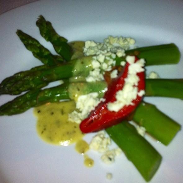 Asperagus And Goat Cheese Salad - Avanti Ristorante, Dallas, TX