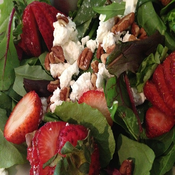 Strawberry And Goat Cheese Salad - The Gem and Keystone Brewpub, Shawnee On Delaware, PA