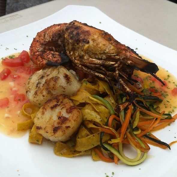 Grilled Whole Shrimp With Scallops - Logan Inn, New Hope, PA