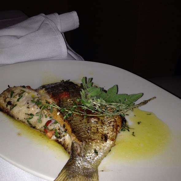 grilled snapper - Lithos Estiatorio, Livingston, NJ
