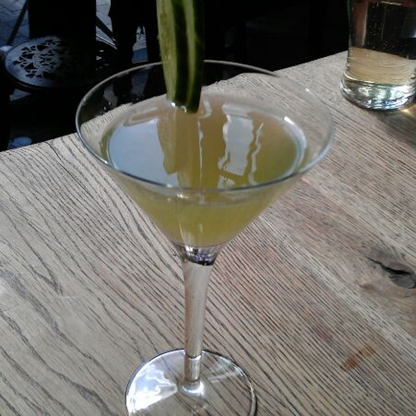 Mint And Cucumber Martini - The Thomas Cubitt, London