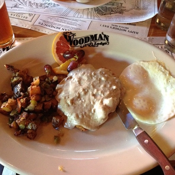 Woodman's Chicken Fried Steak & Eggs - Woodman Lodge, Snoqualmie, WA