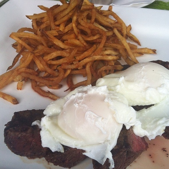 Santa Maria Steak Frites & Eggs - AVO, Mt Brook, AL