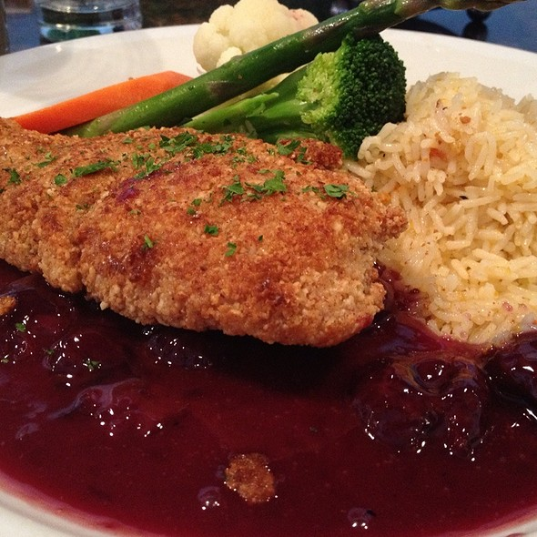 Halibut - Kinley's Restaurant and Bar, Anchorage, AK